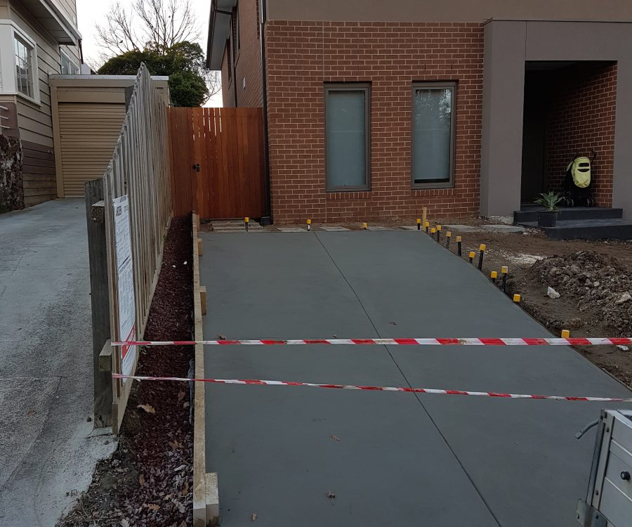 Mont Albert Gate and Driveway after